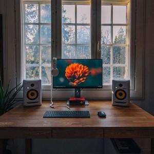 Biến máy tính thành vật tô điểm cho căn phòng