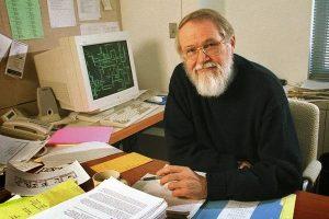 Đồng tác giả hệ điều hành UNIX và là tác giả của ngôn ngữ lập trình AWK và AMPL